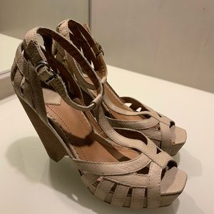Lucky Brand Chunky Strappy Heels Size 9 1/2 M